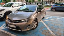 """Parkowanie """"na chwilę"""" na miejscu dla osób niepełnosprawnych"""